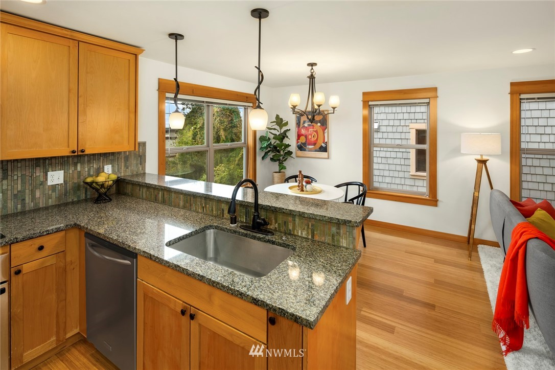 Sold Property | 1735 13th Avenue S #A Seattle, WA 98144 5
