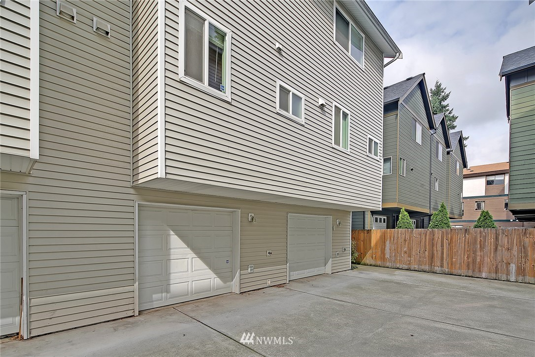 Sold Property   9242 Interlake Avenue N #C Seattle, WA 98103 12