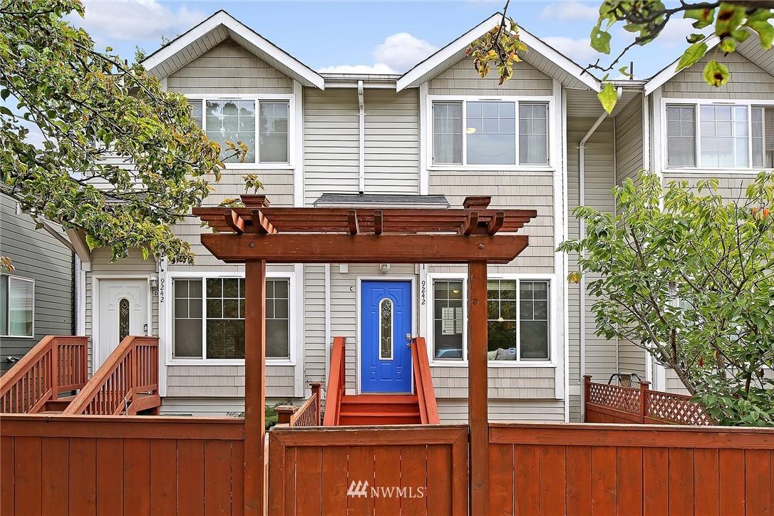 Sold Property   9242 Interlake Avenue N #C Seattle, WA 98103 14