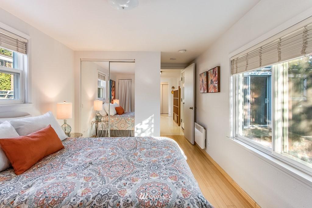 Sold Property   9217 38th Avenue S Seattle, WA 98118 8