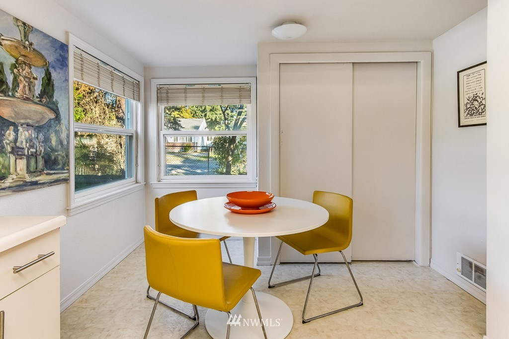 Sold Property   9217 38th Avenue S Seattle, WA 98118 5