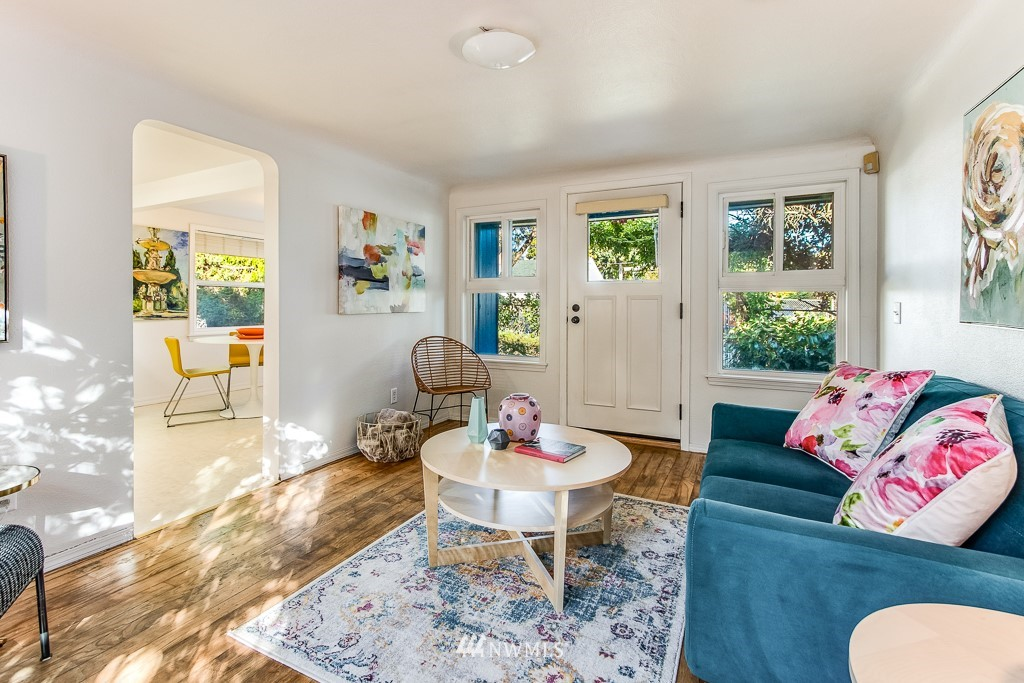 Sold Property   9217 38th Avenue S Seattle, WA 98118 10