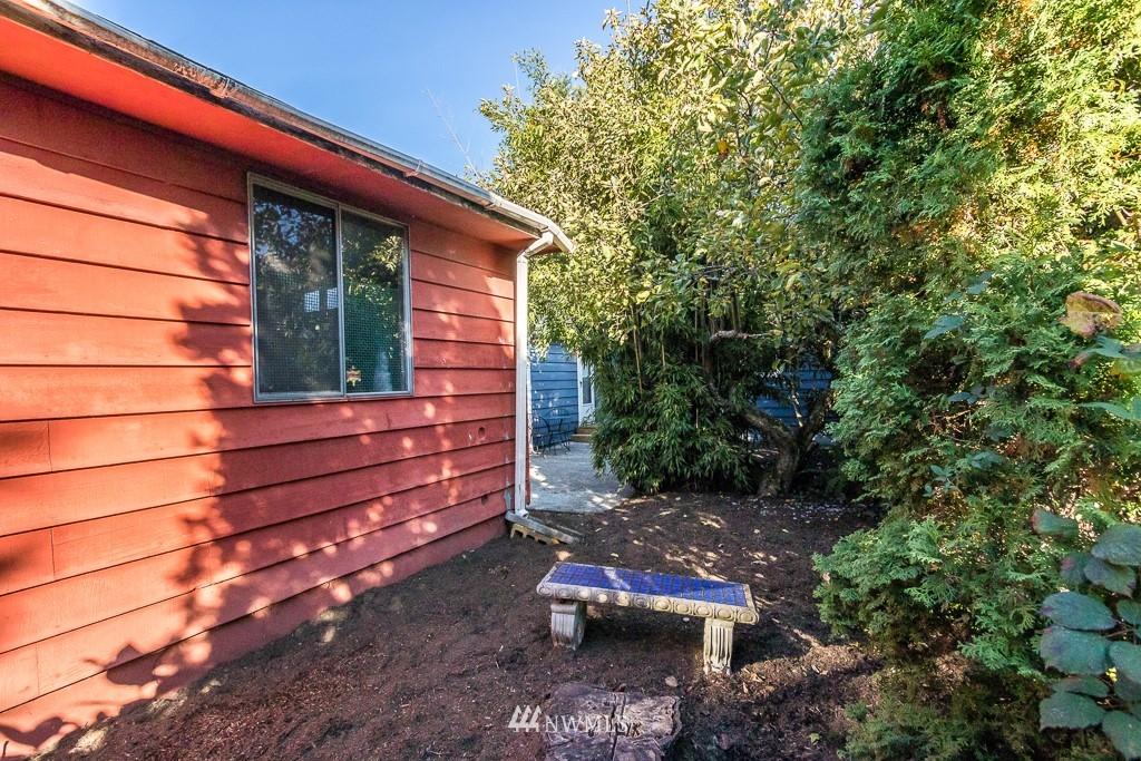 Sold Property   9217 38th Avenue S Seattle, WA 98118 16