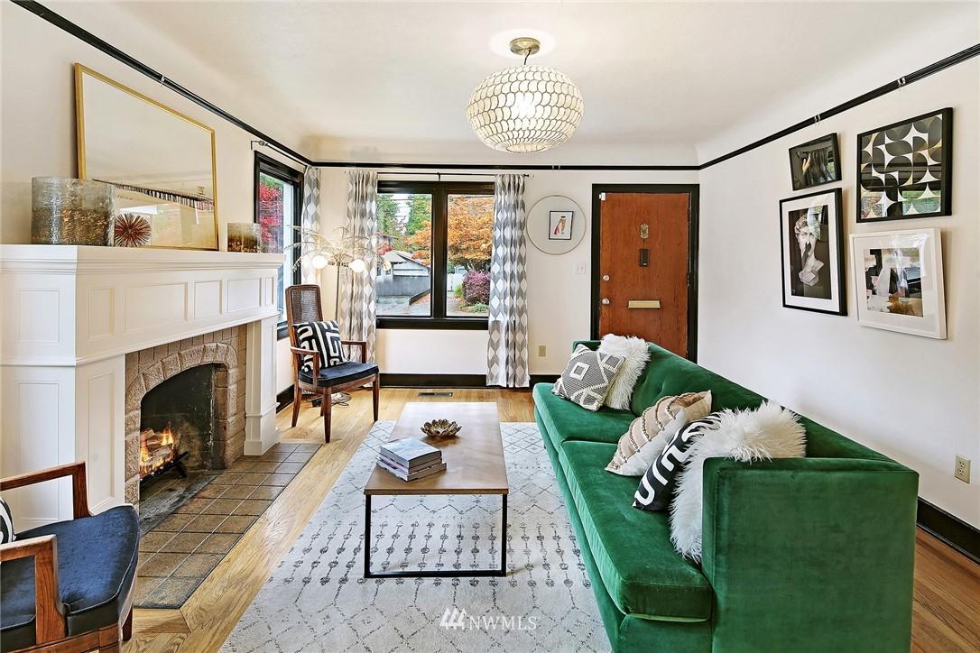 Sold Property | 1039 NE 91st Street Seattle, WA 98115 3