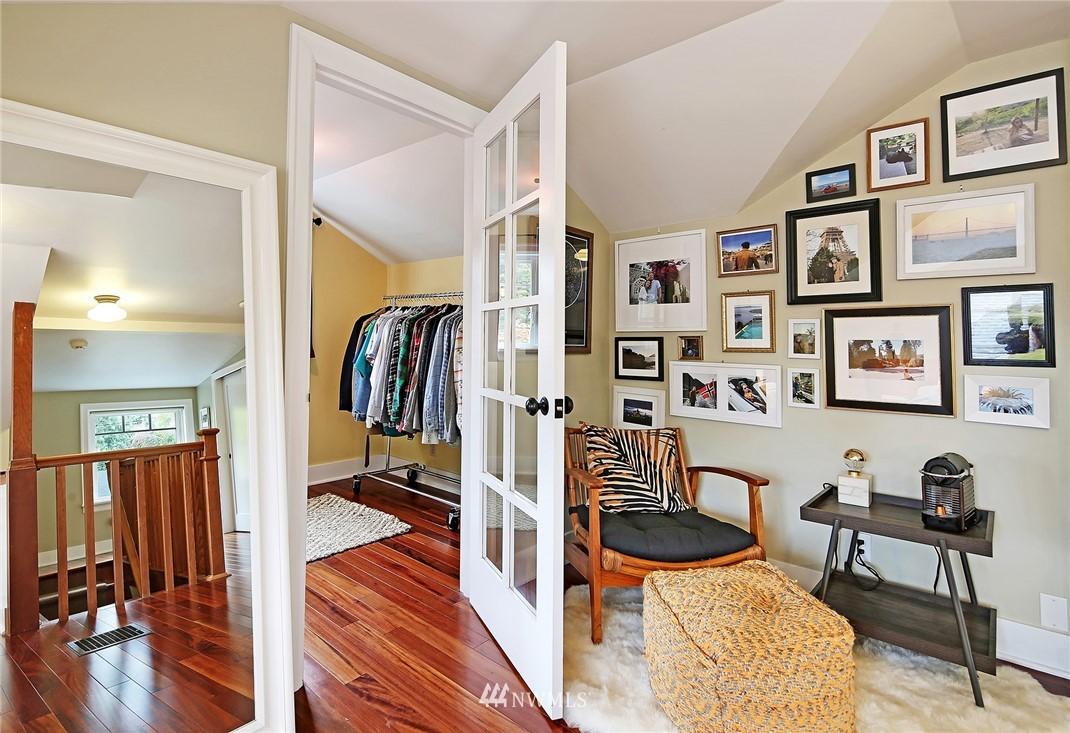 Sold Property | 1039 NE 91st Street Seattle, WA 98115 9