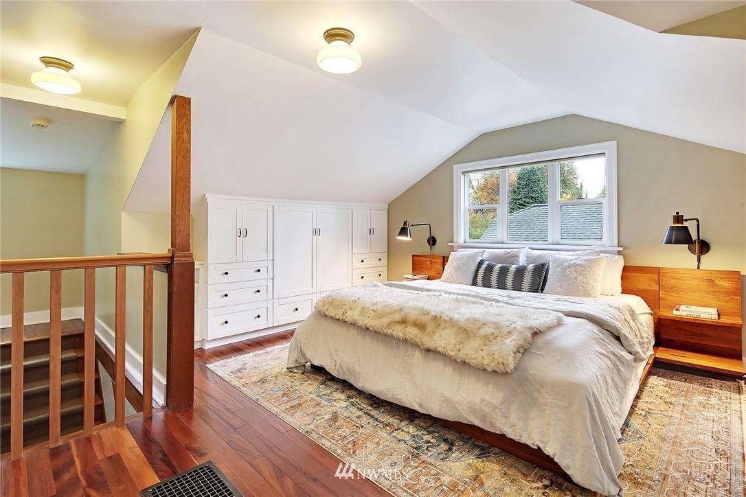 Sold Property | 1039 NE 91st Street Seattle, WA 98115 11