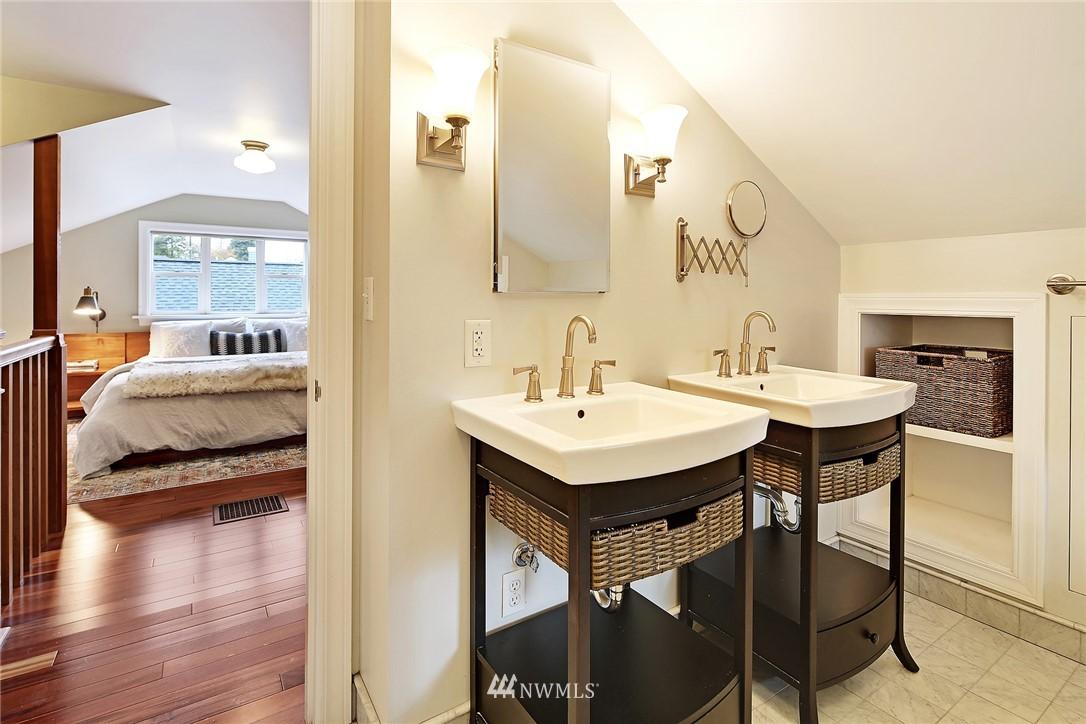 Sold Property | 1039 NE 91st Street Seattle, WA 98115 12
