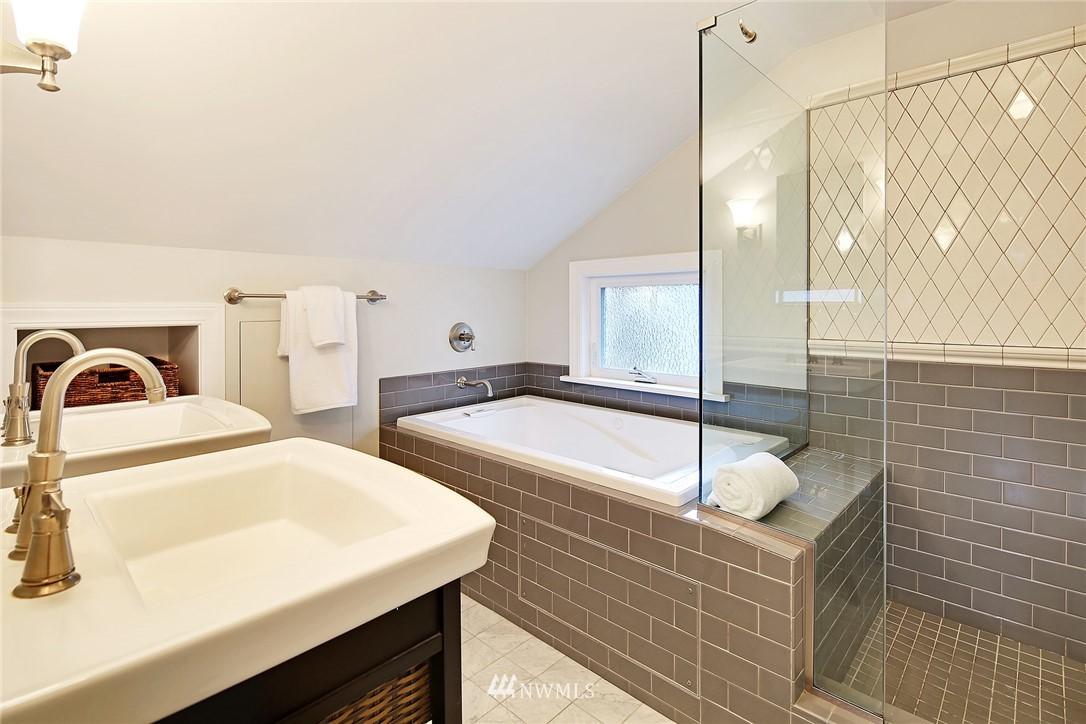 Sold Property | 1039 NE 91st Street Seattle, WA 98115 13