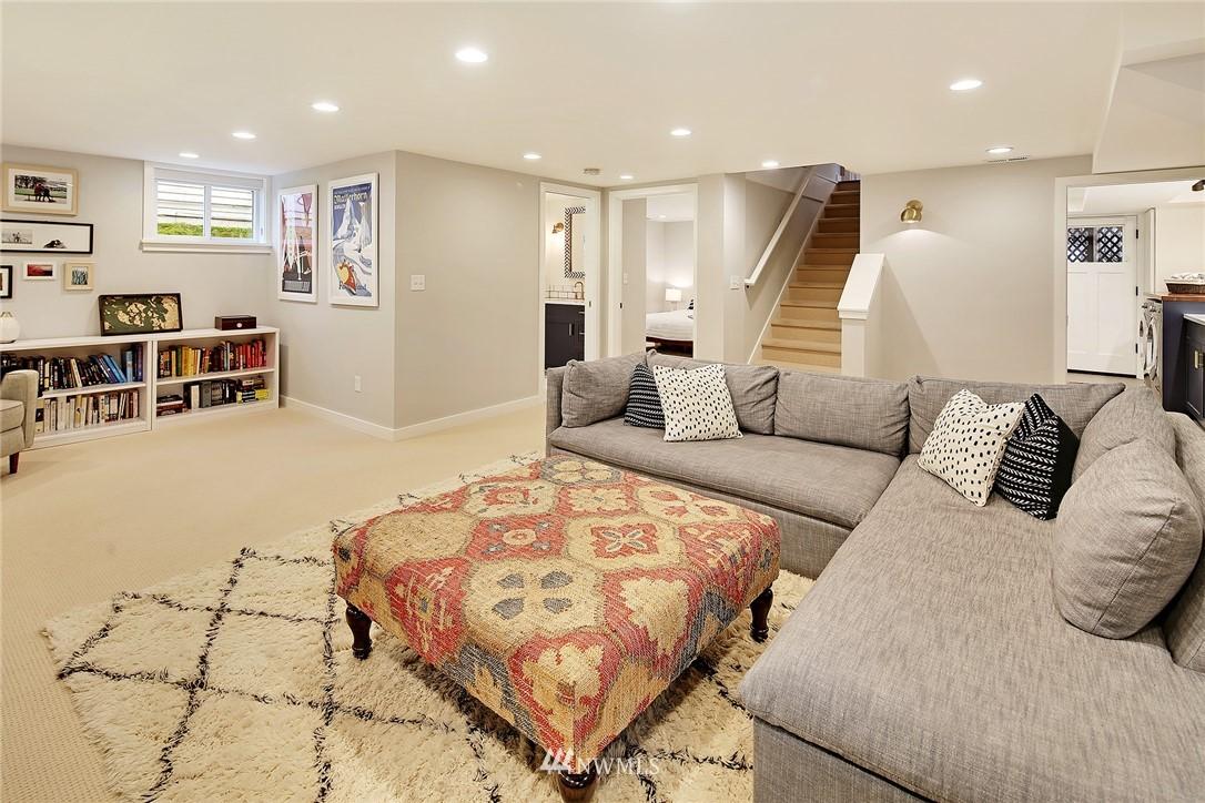 Sold Property | 1039 NE 91st Street Seattle, WA 98115 15