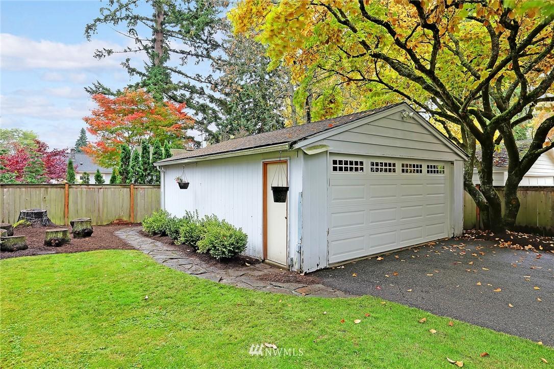 Sold Property | 1039 NE 91st Street Seattle, WA 98115 21