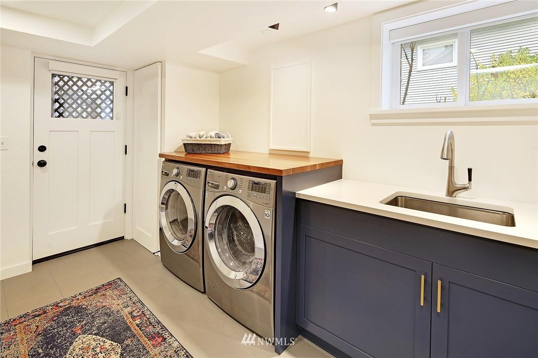 Sold Property | 1039 NE 91st Street Seattle, WA 98115 16