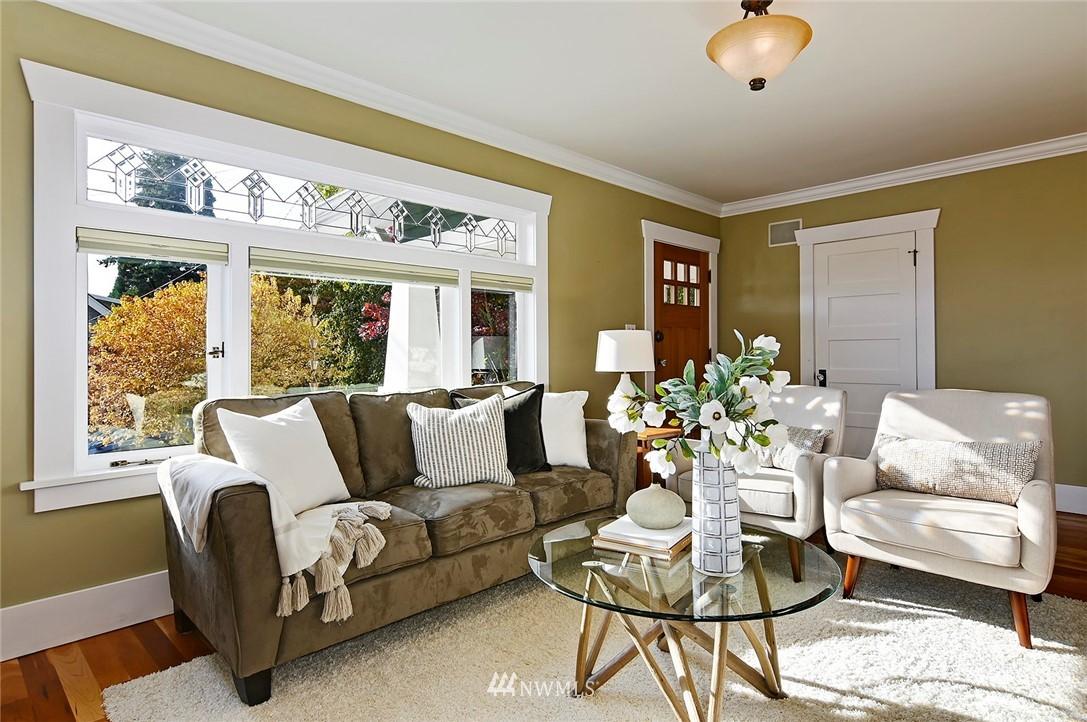 Sold Property | 2112 N 39th Street Seattle, WA 98103 4