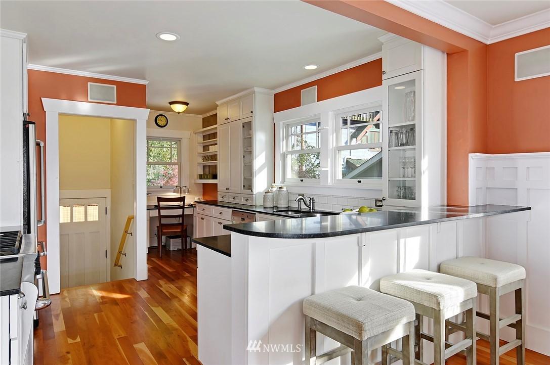 Sold Property | 2112 N 39th Street Seattle, WA 98103 6