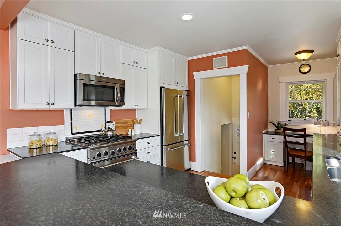 Sold Property | 2112 N 39th Street Seattle, WA 98103 7