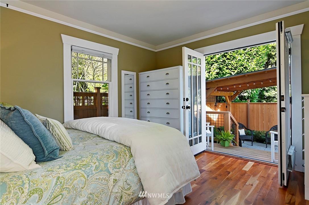 Sold Property | 2112 N 39th Street Seattle, WA 98103 10