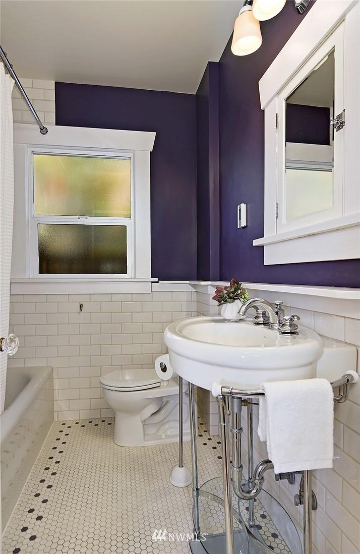 Sold Property | 2112 N 39th Street Seattle, WA 98103 12