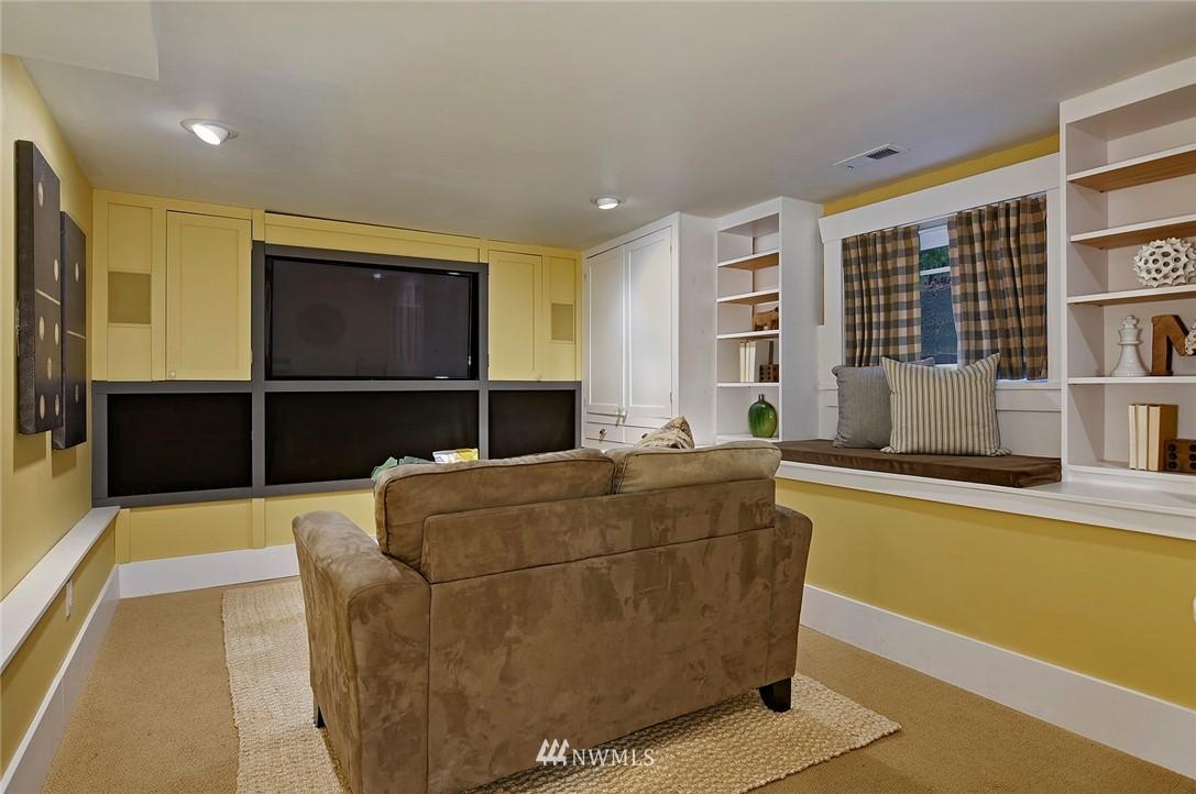 Sold Property | 2112 N 39th Street Seattle, WA 98103 13
