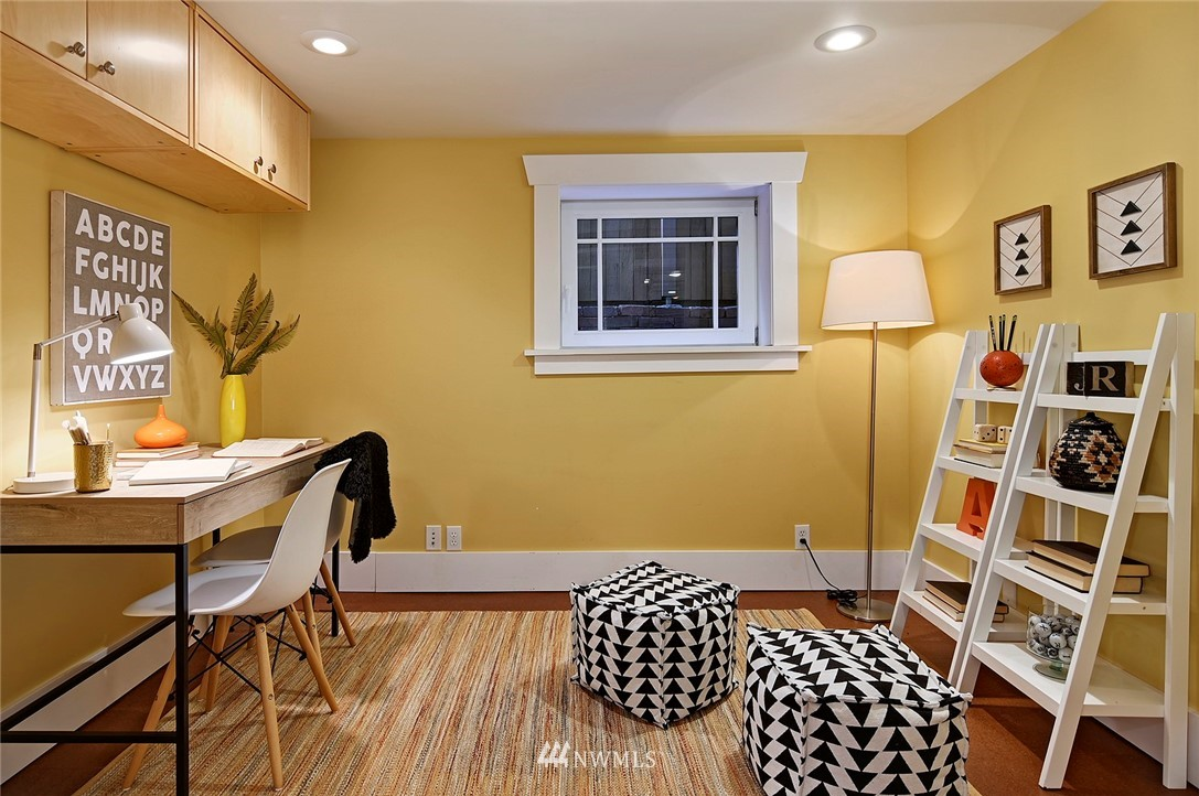 Sold Property | 2112 N 39th Street Seattle, WA 98103 14