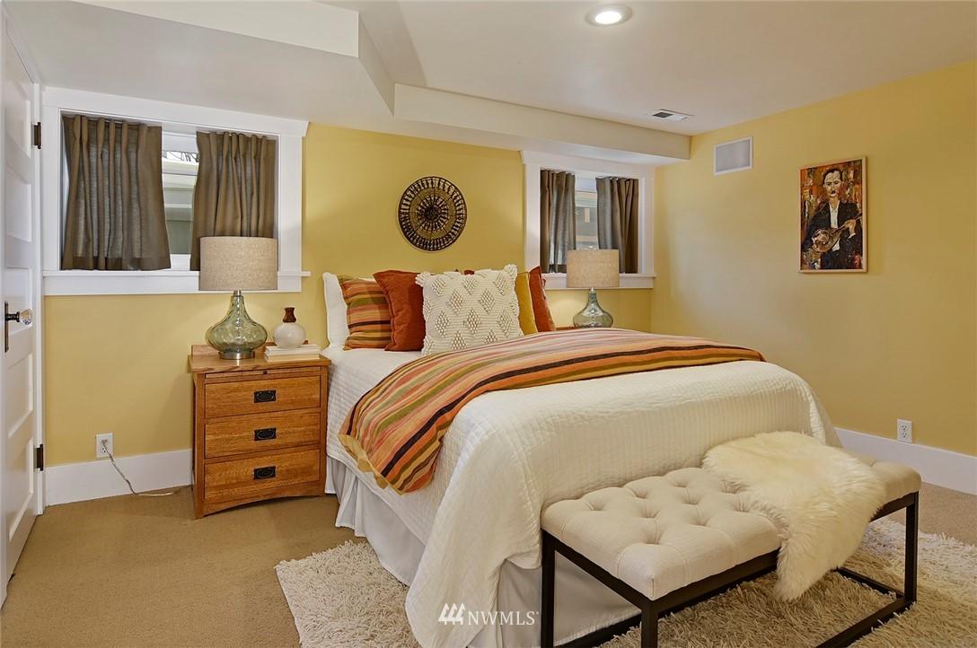 Sold Property | 2112 N 39th Street Seattle, WA 98103 15