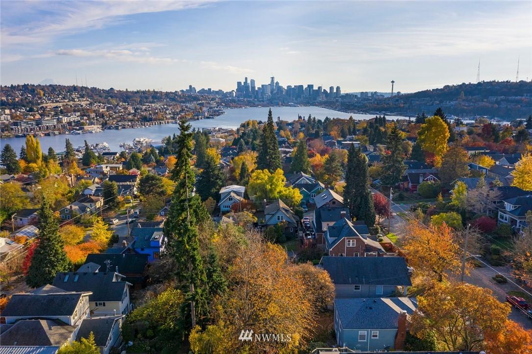 Sold Property | 2112 N 39th Street Seattle, WA 98103 22