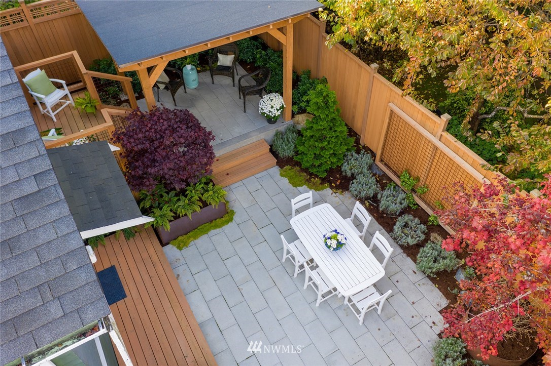 Sold Property | 2112 N 39th Street Seattle, WA 98103 24