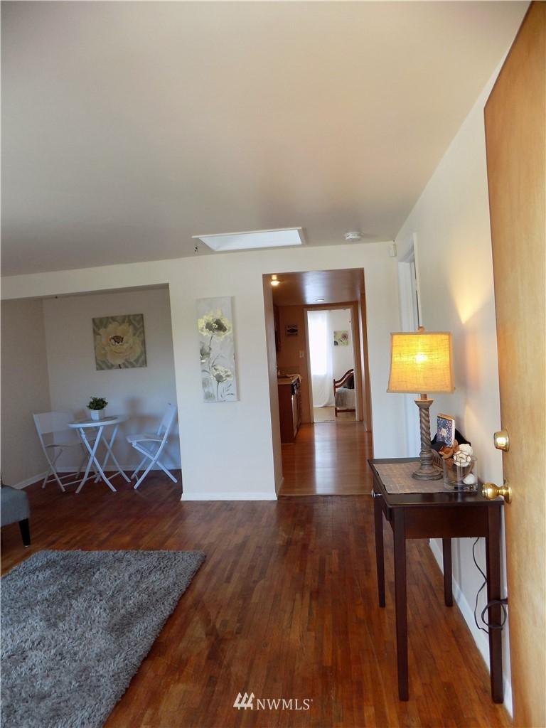 Sold Property | 1103 SW Kenyon Street Seattle, WA 98106 3