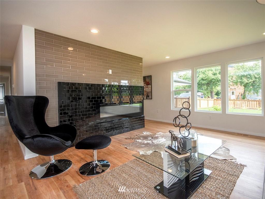 Sold Property | 8317 54th Avenue S Seattle, WA 98118 4