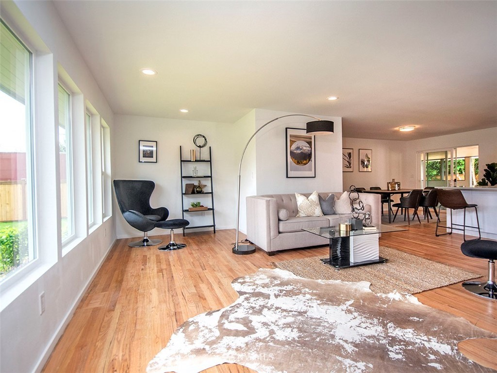 Sold Property | 8317 54th Avenue S Seattle, WA 98118 3