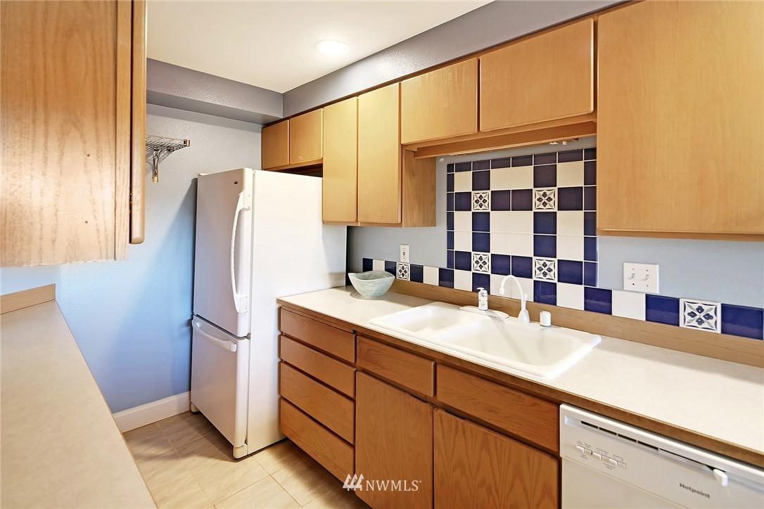 Sold Property | 21329 76th Avenue W #C11 Edmonds, WA 98026 6