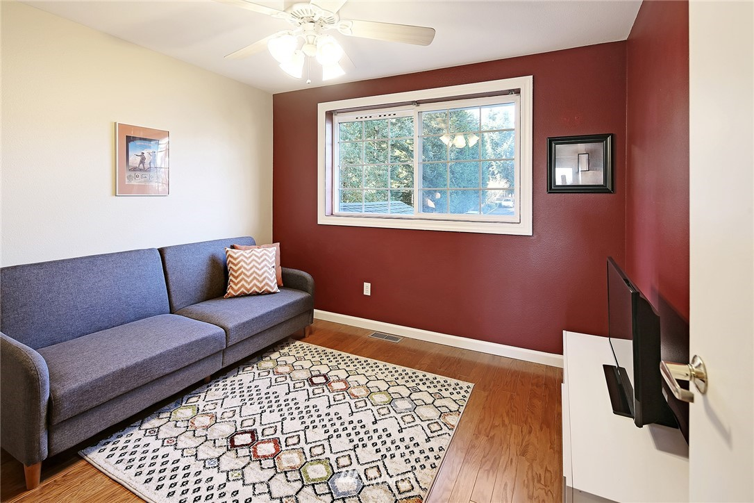 Sold Property | 21329 76th Avenue W #C11 Edmonds, WA 98026 12