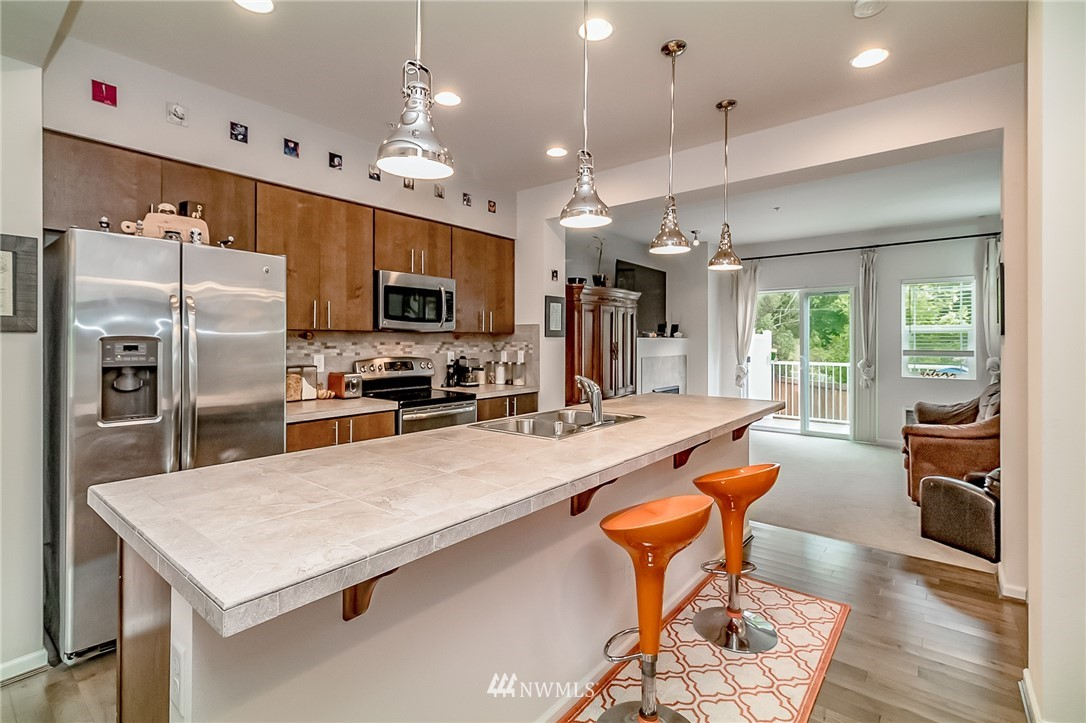 Sold Property   15720 Manor Way #F4 Lynnwood, WA 98087 2