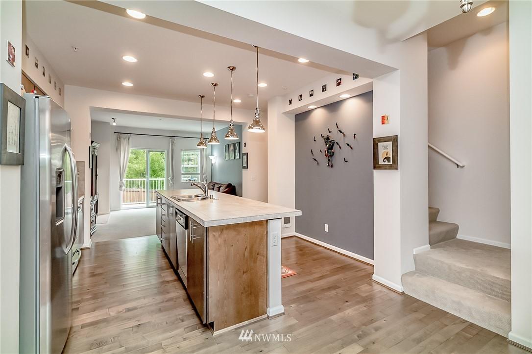 Sold Property   15720 Manor Way #F4 Lynnwood, WA 98087 4