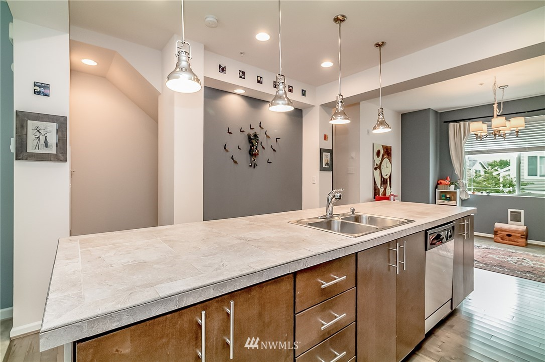 Sold Property   15720 Manor Way #F4 Lynnwood, WA 98087 5