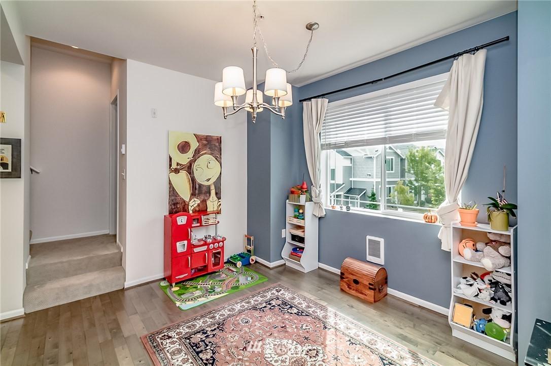 Sold Property   15720 Manor Way #F4 Lynnwood, WA 98087 8