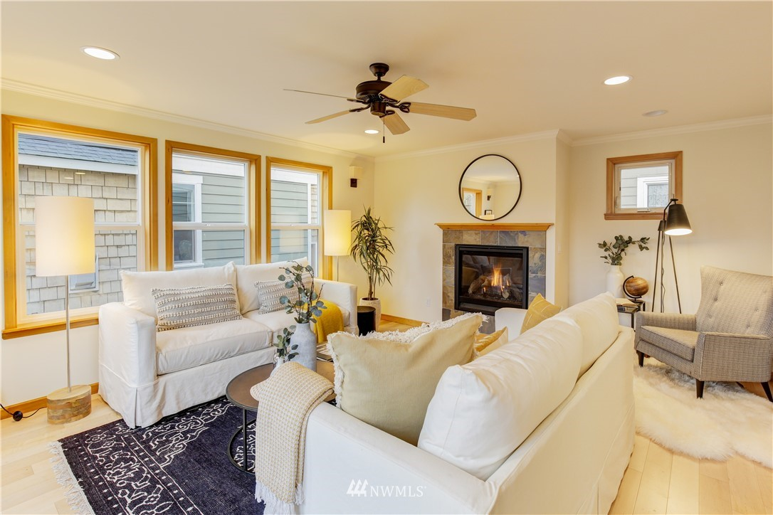Sold Property | 810 N 49th Street Seattle, WA 98103 1
