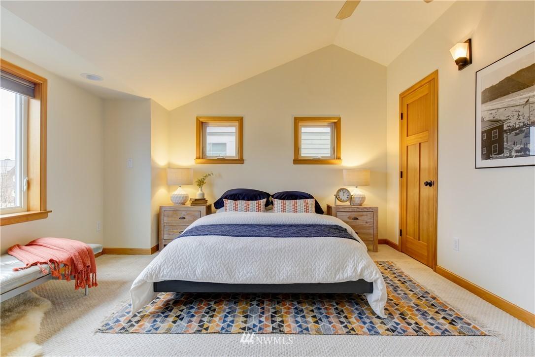 Sold Property | 810 N 49th Street Seattle, WA 98103 6