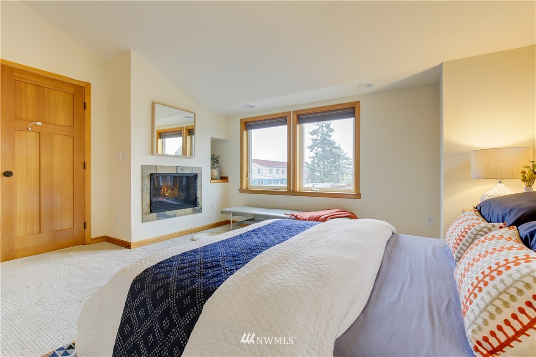 Sold Property | 810 N 49th Street Seattle, WA 98103 8