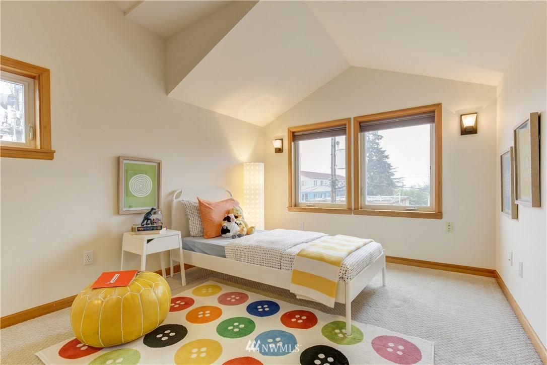 Sold Property | 810 N 49th Street Seattle, WA 98103 10