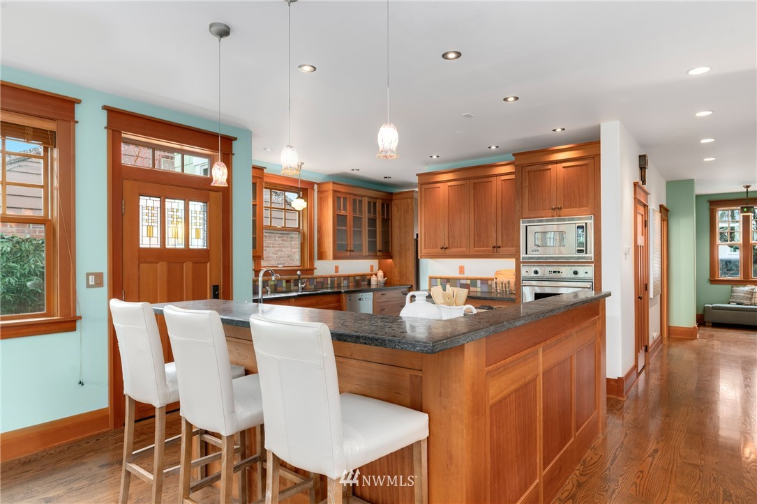 Sold Property   3244 64th Avenue SW Seattle, WA 98116 8