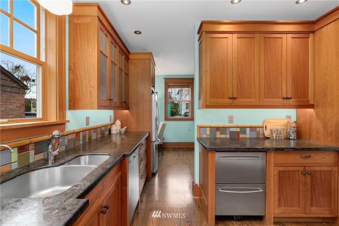 Sold Property   3244 64th Avenue SW Seattle, WA 98116 10