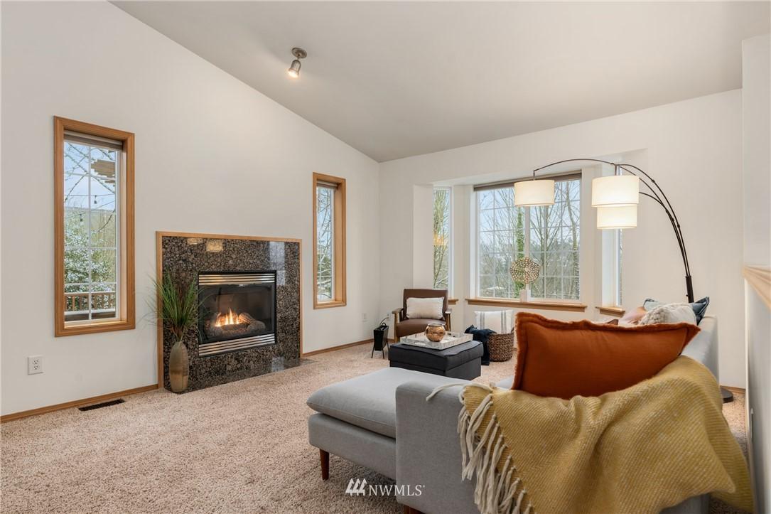 Sold Property | 5070 23rd Avenue SW Seattle, WA 98106 2