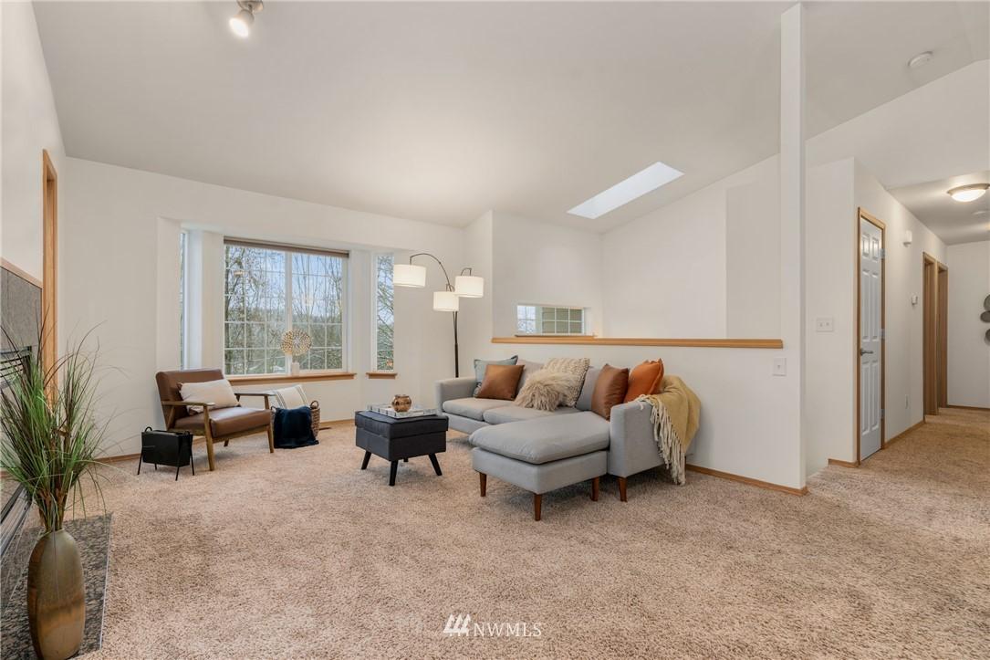 Sold Property | 5070 23rd Avenue SW Seattle, WA 98106 4