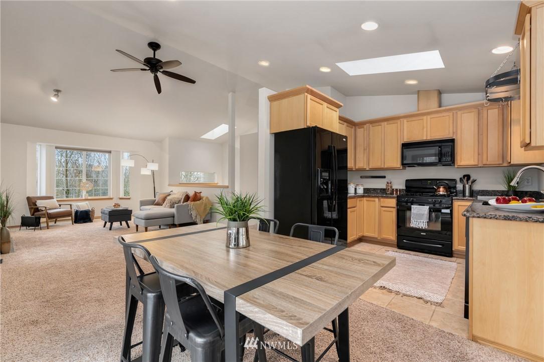 Sold Property | 5070 23rd Avenue SW Seattle, WA 98106 7