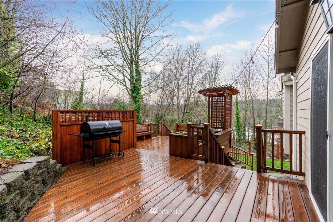 Sold Property | 5070 23rd Avenue SW Seattle, WA 98106 8