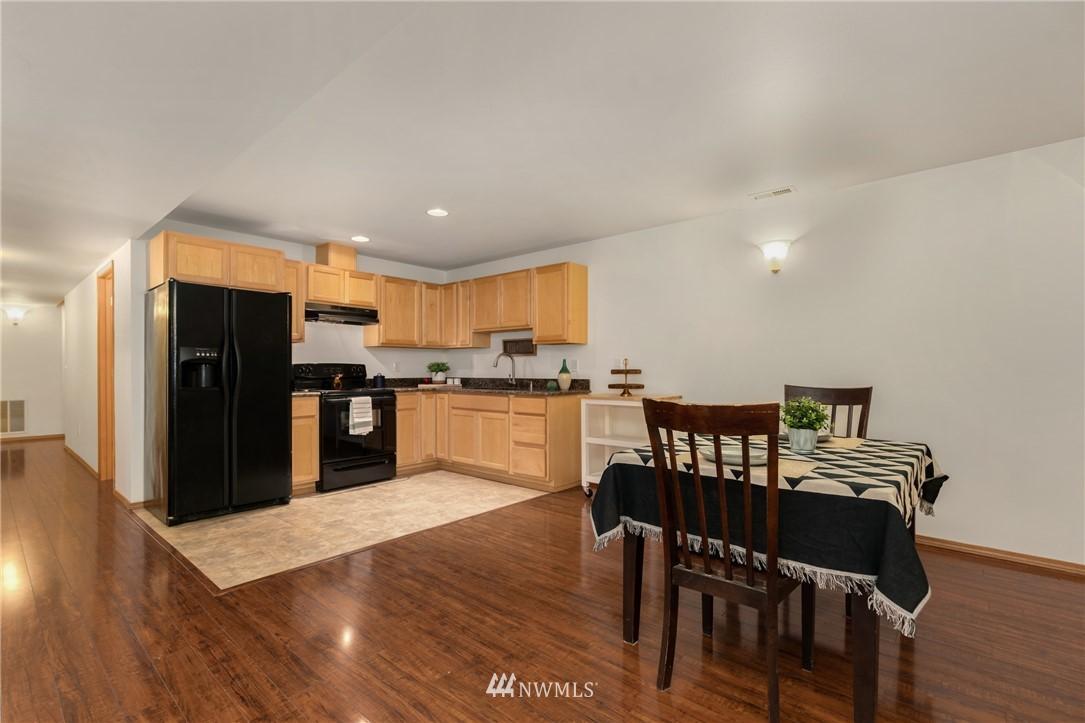 Sold Property | 5070 23rd Avenue SW Seattle, WA 98106 16