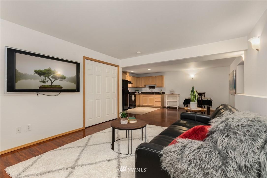Sold Property | 5070 23rd Avenue SW Seattle, WA 98106 17