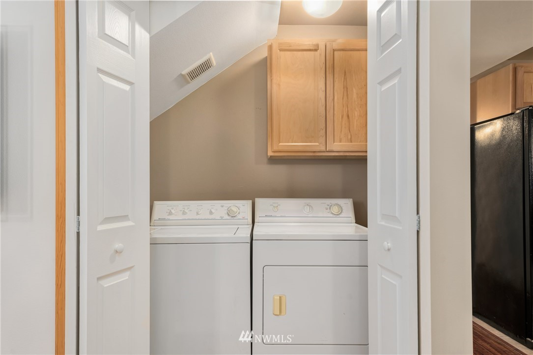 Sold Property | 5070 23rd Avenue SW Seattle, WA 98106 19