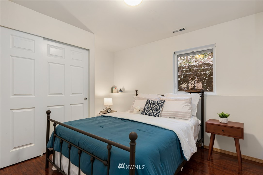 Sold Property | 5070 23rd Avenue SW Seattle, WA 98106 20
