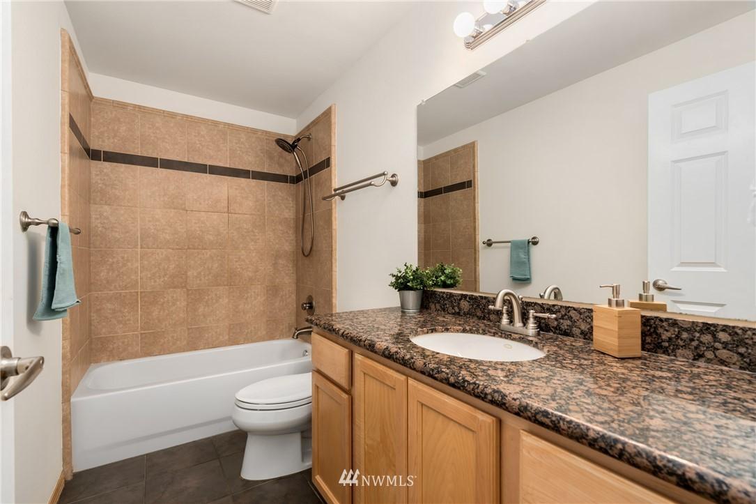 Sold Property | 5070 23rd Avenue SW Seattle, WA 98106 21