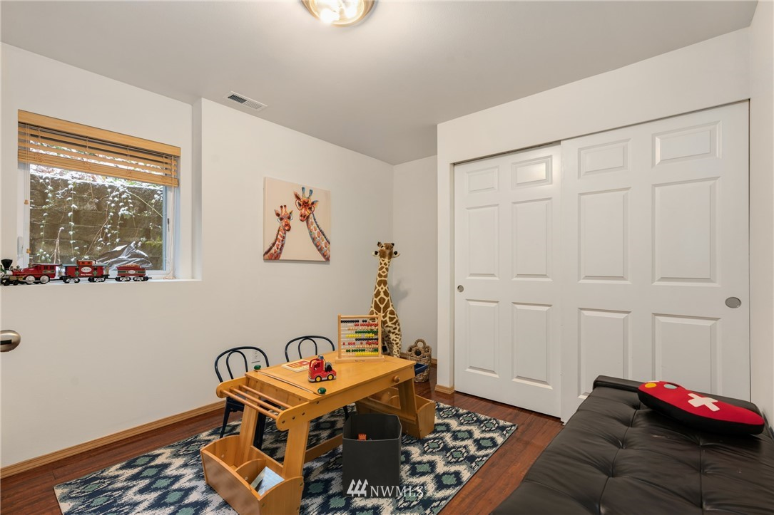 Sold Property | 5070 23rd Avenue SW Seattle, WA 98106 22